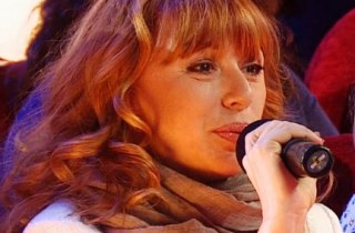 Алена Апина Заслуженной артисткой России