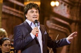 Певец Александр Серов