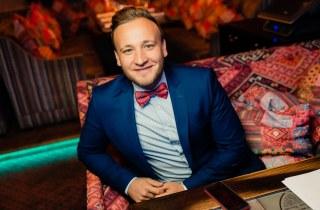 Ведущие праздников Александр Солопов