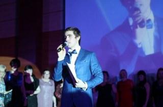 Ведущий праздников Петр Микитенко